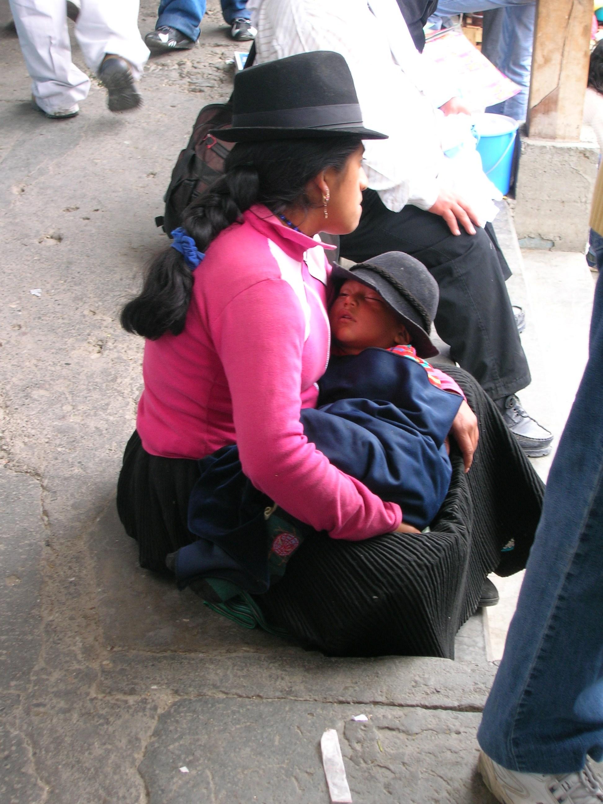 saragura con su niño